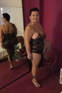Phantha, horny girls in Italy - 2396